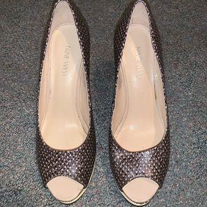 Printed leather peep toe heels